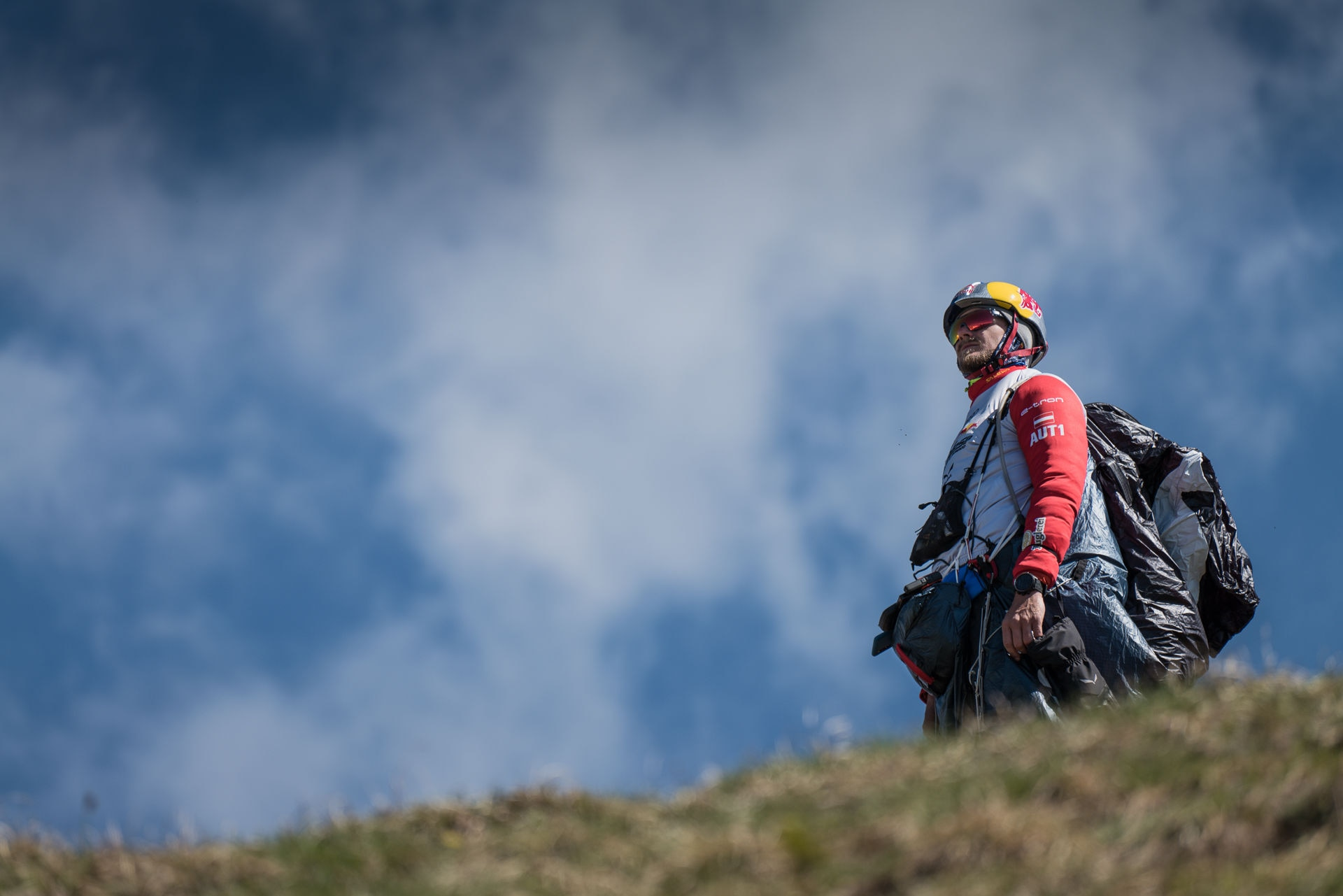 Paul Guschlbauer checking the weather conditions before his take off to the next Red Bull X-Alps turnpoint, June 19, 2019 // Philipp Reiter / Red Bull Content Pool // SI201906190309 // Usage for editorial use only //