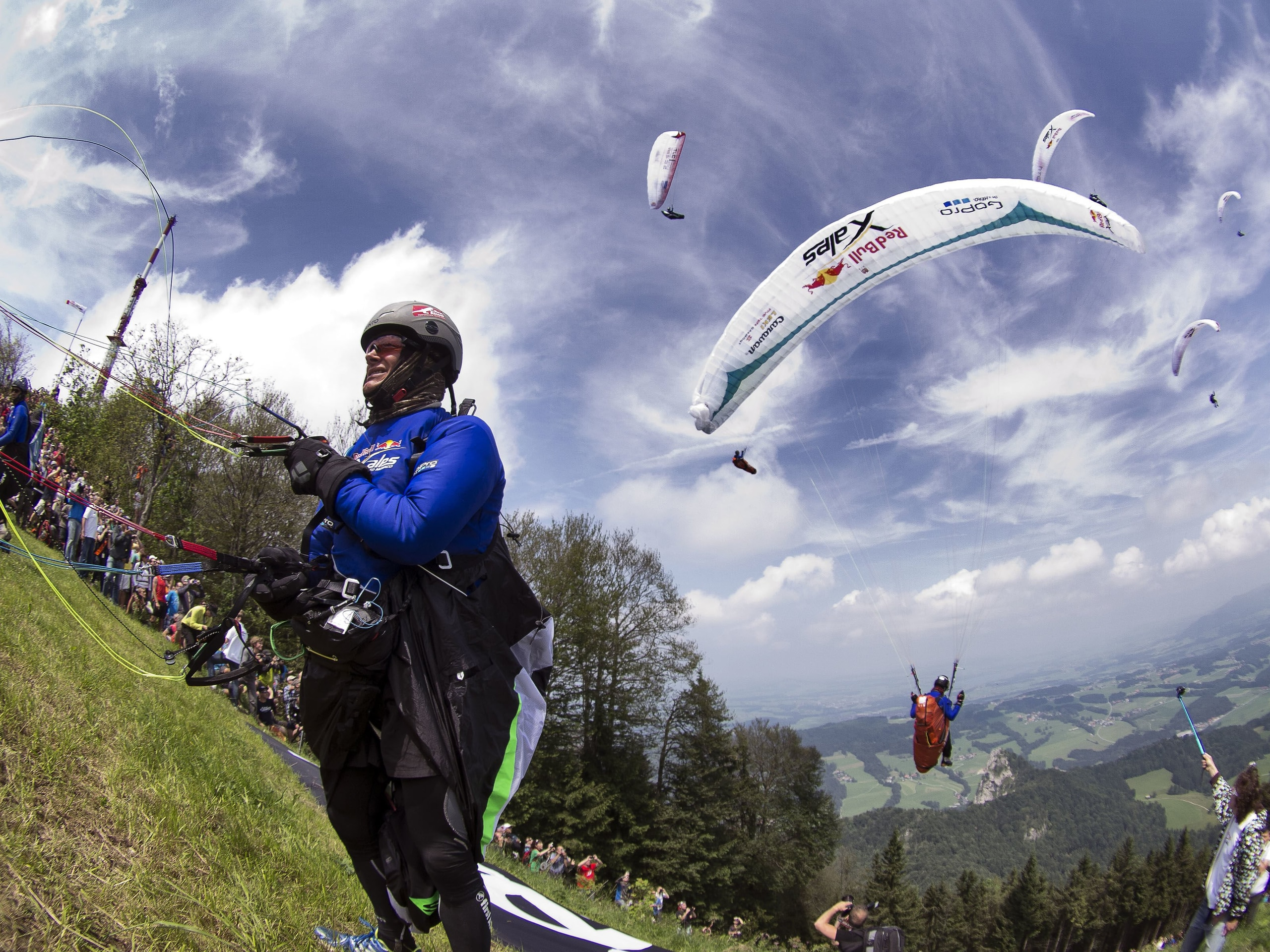 Pierre Carter (RSA) prepares for flyght during the Red Bull X-Alps 2013 at Gaisberg in Austria on July 7th, 2013